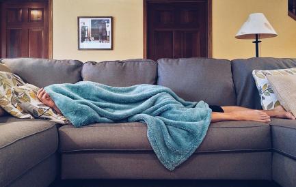 Cum aleg o canapea extensibilă pe care vreau să dorm zilnic?